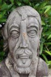 Pont-Aven - Pont-Aven-busto-di-Gauguin.jpg