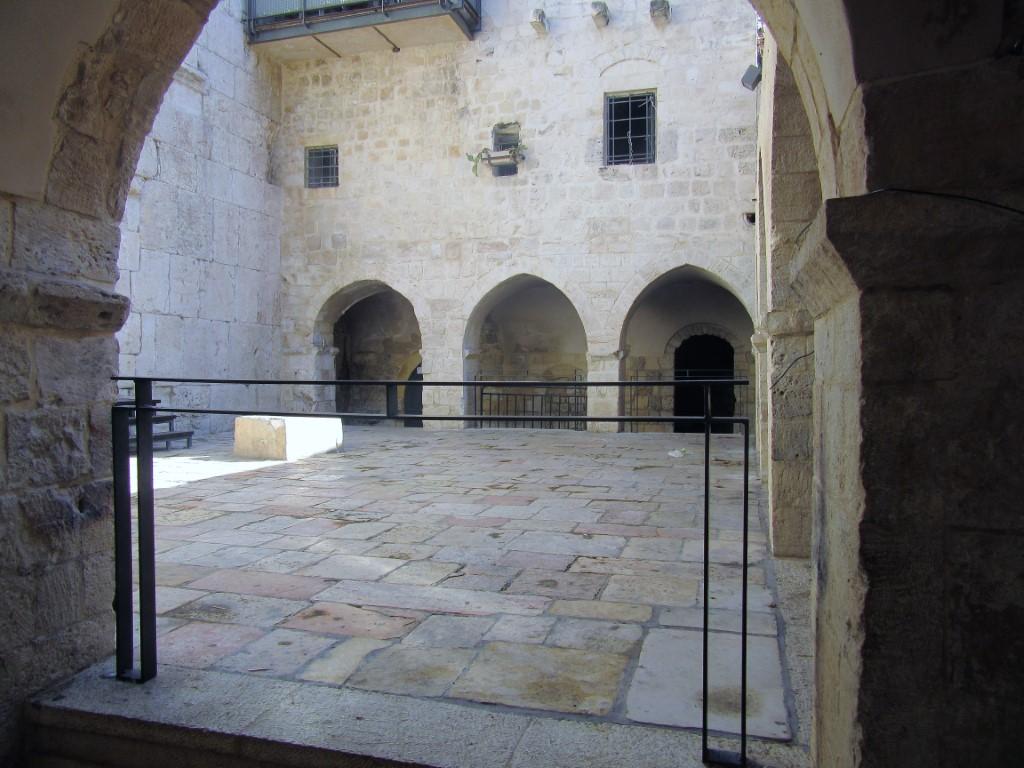 Monte-Sion - Gerusalemme-cortile-del-Cenacolo-2.jpg