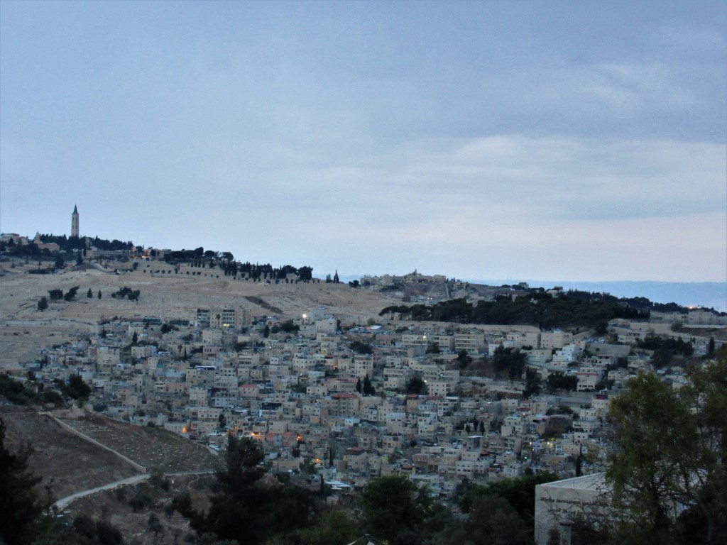 Monte-degli-Ulivi - Gerusalemme-vista-dallalbergo.jpg
