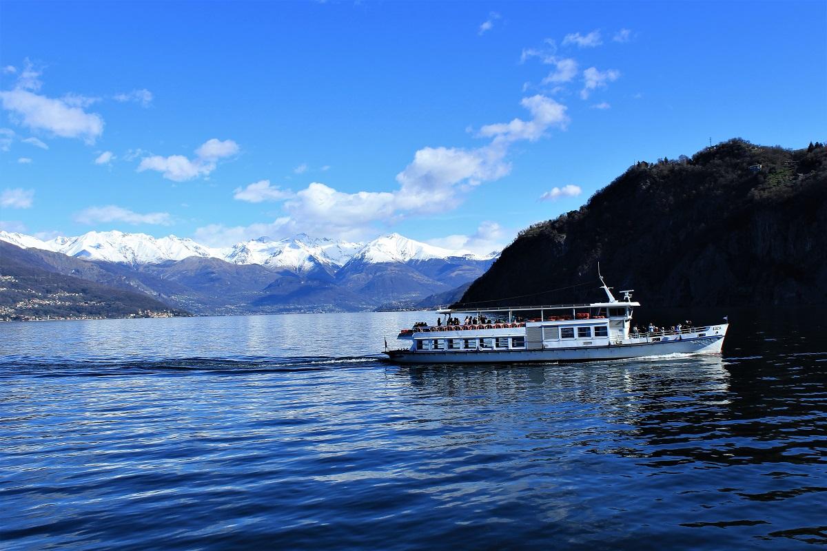 Menaggio traghetto da Varenna a Menaggio Lago di Como.jpg