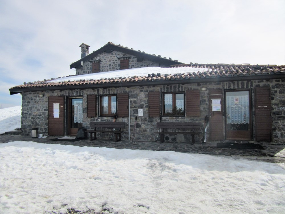 Pizzo-Formico - Pizzo-Formico-rifugio-parafulmine-4.jpg