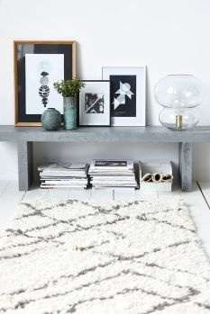 A simple soft rug with grey marble modern vibe.