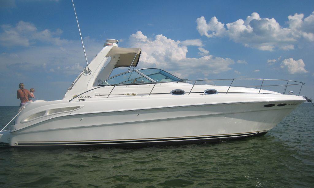 Charter 34 Motor Yacht Sea Ray Sundancer In Miami