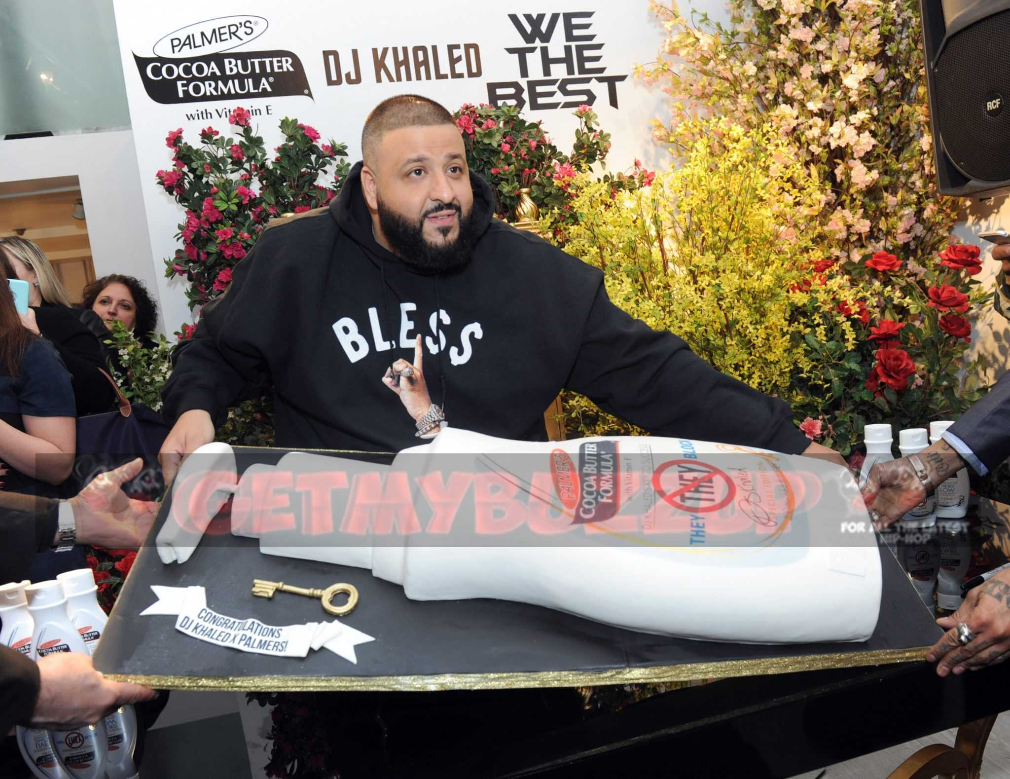 DJ Khaled Greets Hundreds of Fans in NYC Yesterday at DJ Khaled and Palmer's Fan Luv Event [Photos]