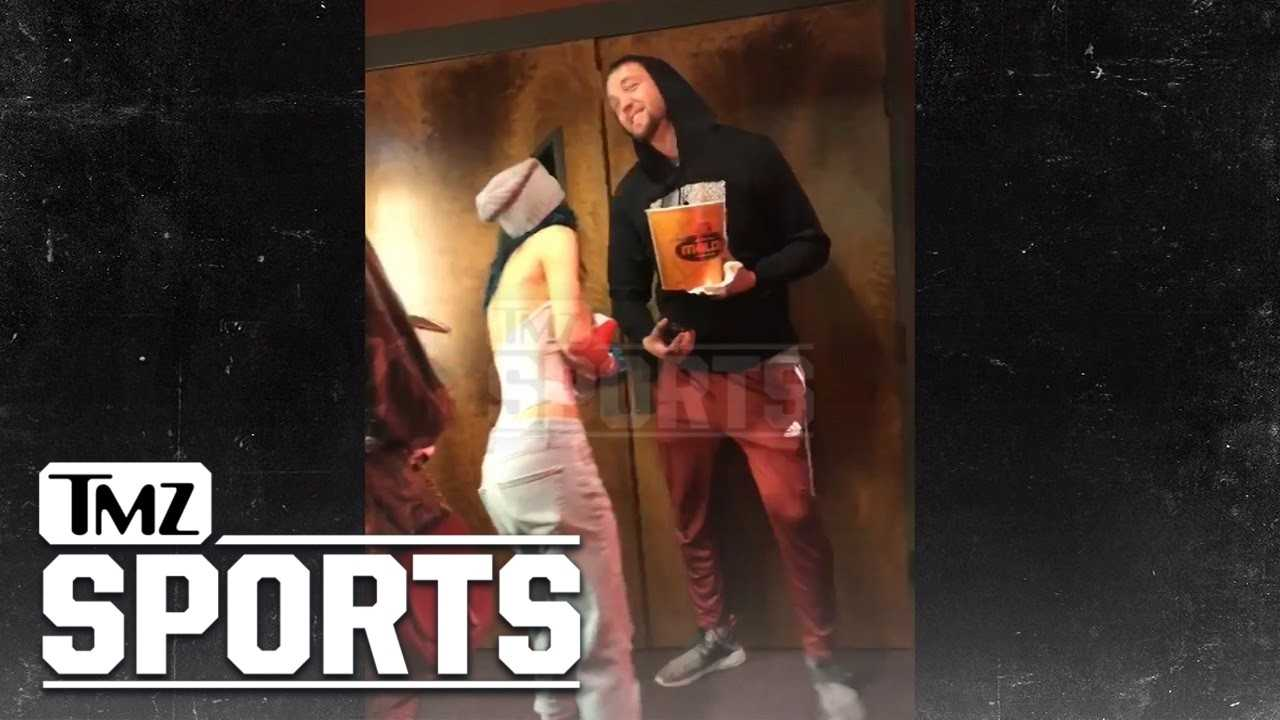 CHANDLER PARSONS & BELLA THORNE... MOVIE DATE AFTER MEXICO KISS   TMZ Sports
