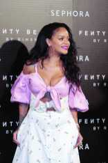 MADRID, SPAIN - SEPTEMBER 23: Rihanna attends Rihanna Fenty Beauty by Sephora Presentacion in Madrid on September 23, 2017 in Madrid, Spain. (Photo by Miguel Pereira/Getty Images) *** Local Caption *** Rihanna
