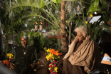 """Snoop Dogg and Nichelle Nichols on the set of """"Unbelievable!!!!!"""""""