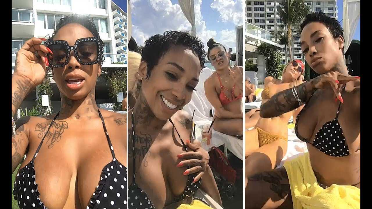 Sky From Black Ink In South Beach Enjoying Vacation
