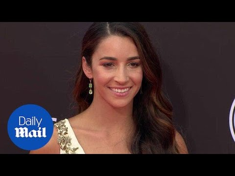 Aly Raisman arrives looking wonderful in white at the 2018 ESPYs - Daily Mail