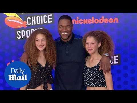 Michael Strahan & daughters for Nickelodeon Kids' Choice Awards - Daily Mail