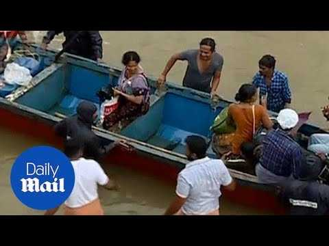Thousands stranded in Kerala as severe flooding continues - Daily Mail