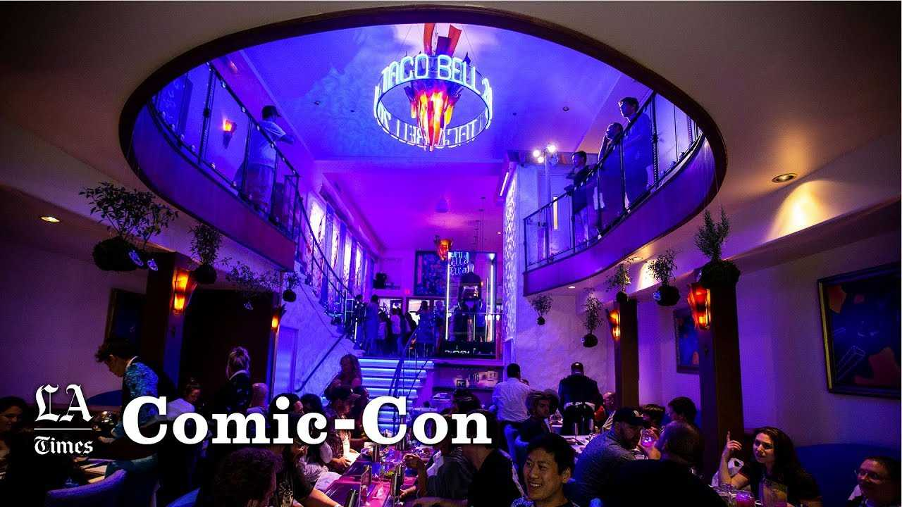 Tour Taco Bell 2032 at Comic-Con