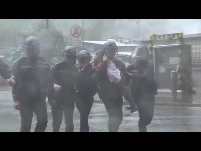 Typhoon lashes Hong Kong, kills 64 in Philippines