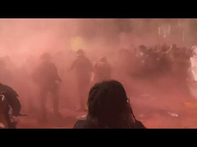 Catalan separatists clash with police in Barcelona