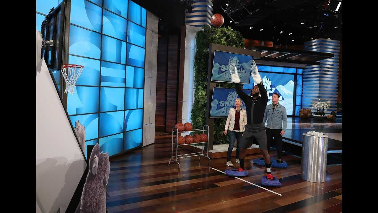 LeBron James and Channing Tatum Face Off in 'Smallfoot, Small Hoop'