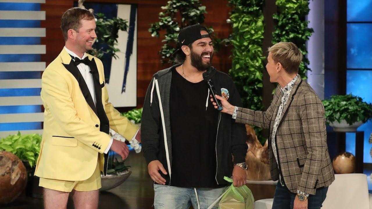 Ellen Uses Grubhub to Predict Super Bowl Winner