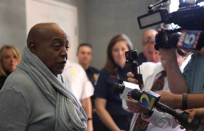 R&B Legend Peabo Bryson and Wife Visit First Responders Who Saved His Life [Photos]