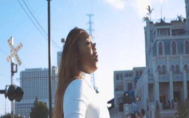 Jekalyn Carr - I SEE MIRACLES [Music Video]