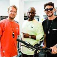 Corey Gamble of Keeping up with the Kardashians bought 4 MATE.Bike X as presents for Kris [Photos]