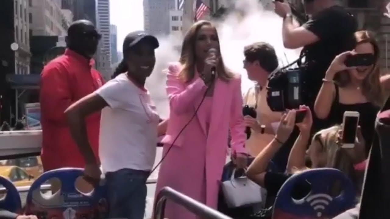 Jennifer Lopez & Keke Palmer Surprise Fans on NYC Double Decker Bus to #HustlersMovie Screening