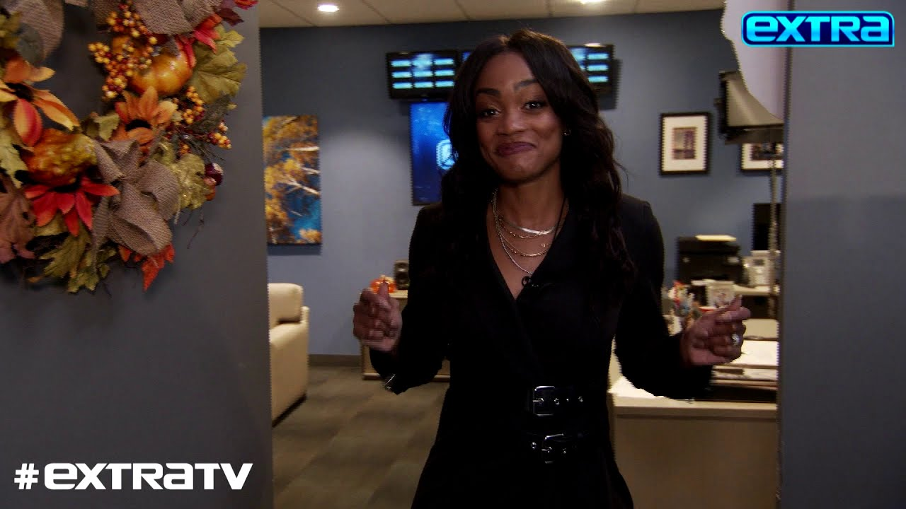 LOL! Check Out 'Extra's' Halloween Bloopers