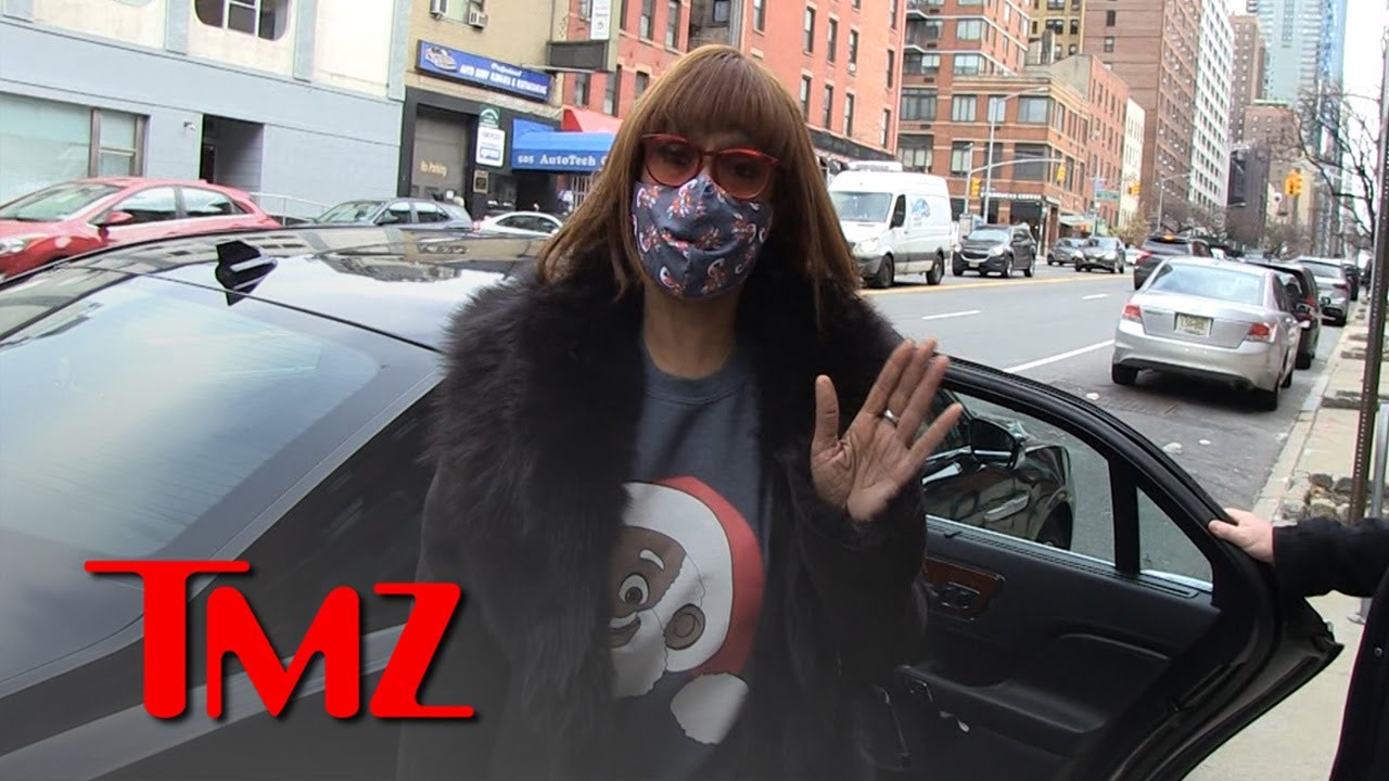 Gayle King Says Follow Ex-Presidents, Science on COVID-19 Vaccine | TMZ