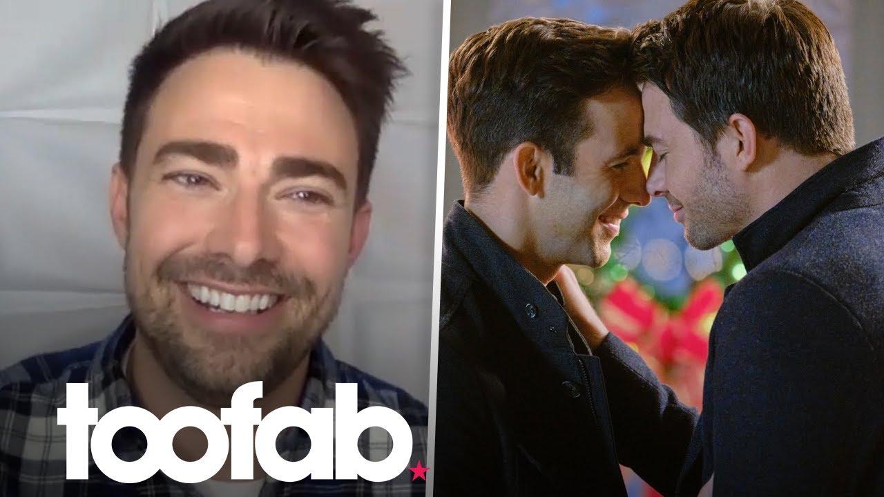 Jonathan Bennett Talks Groundbreaking Role in Hallmark Christmas Movie | toofab