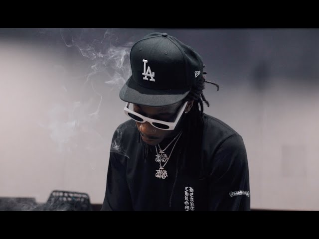 Wiz Khalifa ft. 24HRS & Chevy Woods - Chicken With The Cheese [Music Video]