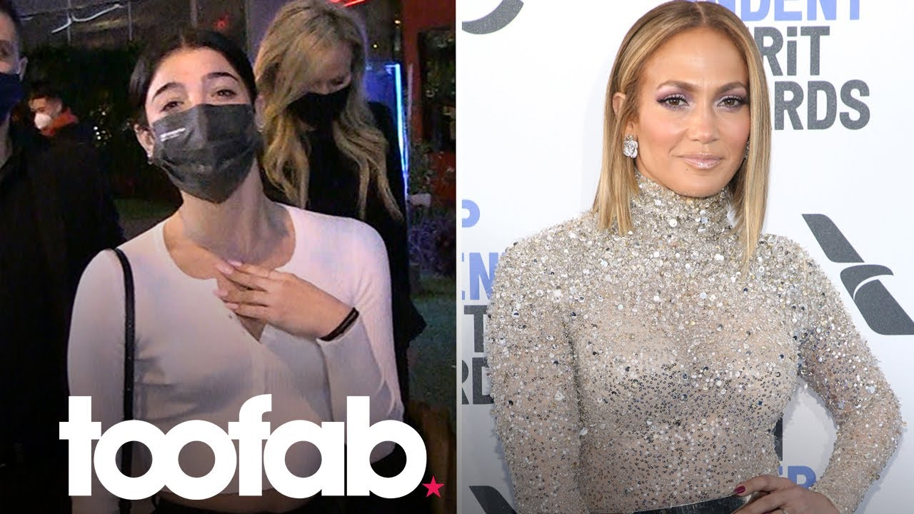 """Charli D'Amelio Reacts To J.Lo Branding Her """"The Biggest Teenage Star"""" 