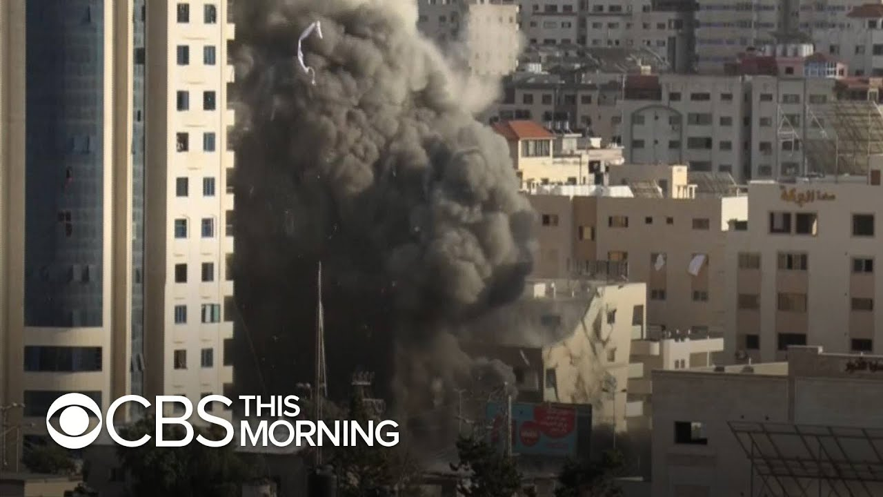 Ceasefire holds for second day despite close encounter between Palestinians and Israeli police