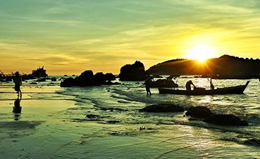 apus in Ngapali, Golful Bengal