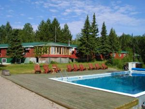 Fishing Vacation In Northern Ontario at Chapleau lodge