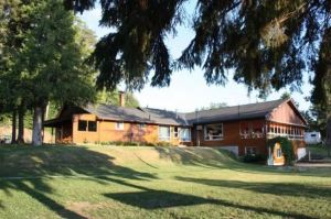 Red Pine Lodge in Foleyet ON