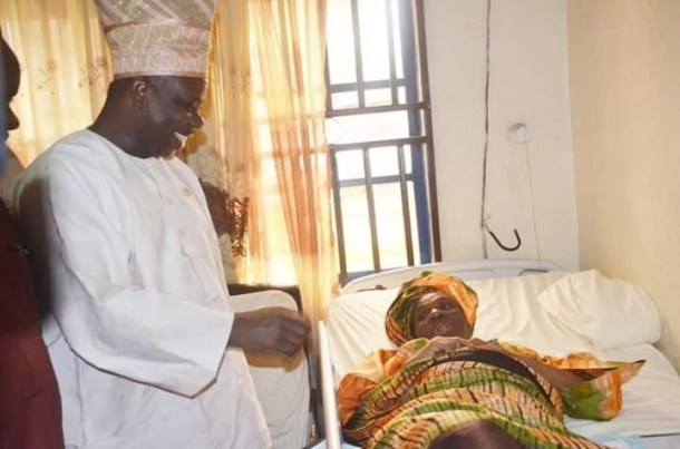 Governor Amosun visits 67 years old woman who gave birth to a baby boy after 40 years of marriage