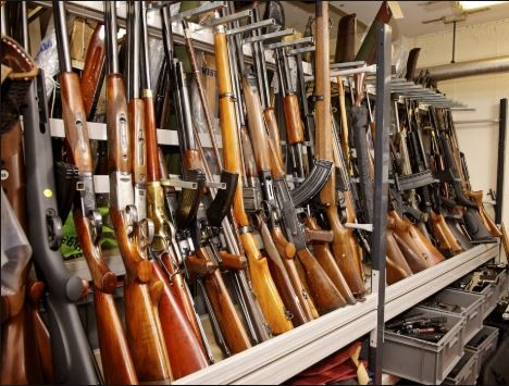 Robbers break into police armoury tosteal AK-47s rifflesand a shotgun in Ghana