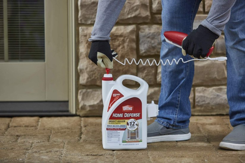 It kills insects, including fleas, ticks, spiders and more, outside the home before they can come inside plus it starts creating a bug barrier in just minutes.