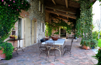 house-of-stone-patio