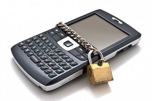 secure-mobile-device The Major BYOD (Bring Your Own Device) Issues Facing the Healthcare Industry