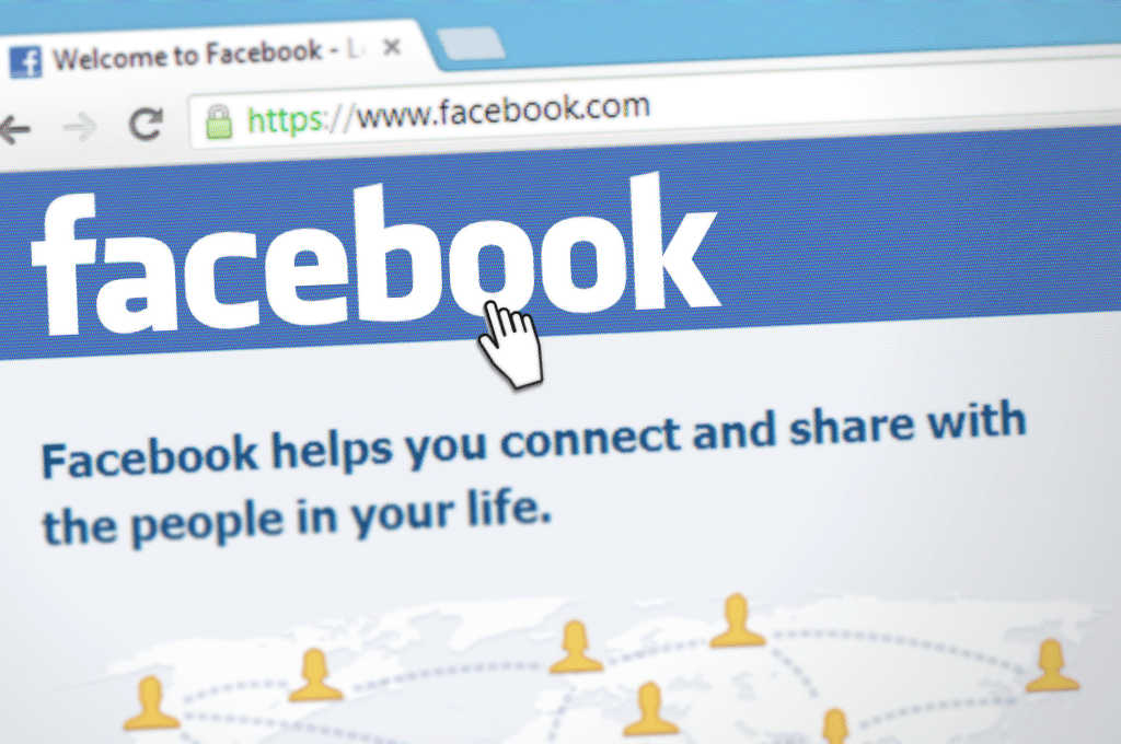 How to see your list of friends on Facebook