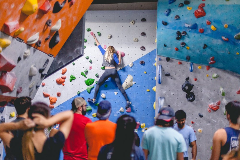 Meet Adventurus People In Santa Ana By Joining Gyms Having Indoor Climbing Facilities