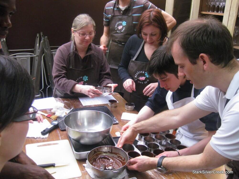 Attend Chocolate Making Classes In Oakland To Meet New Friends