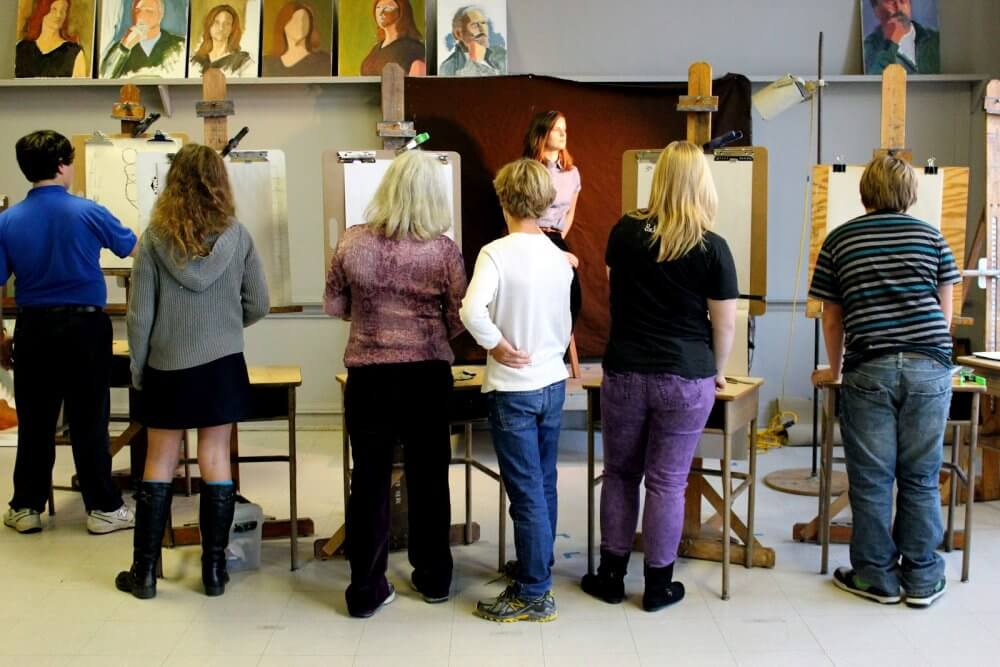 Attend Fine Art Classes In Chesapeake And Make Friends