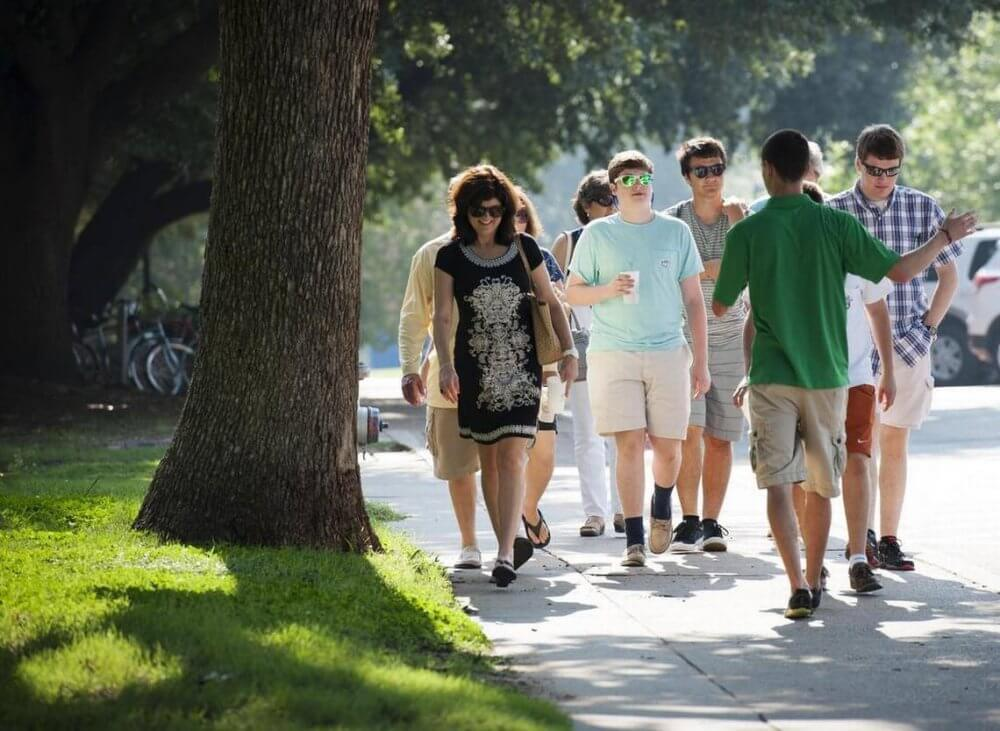 Walk With Others In Arlington And Make Friends