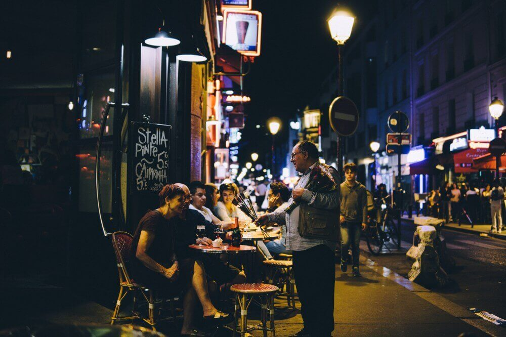Meet People In Paris, And Make New Friends