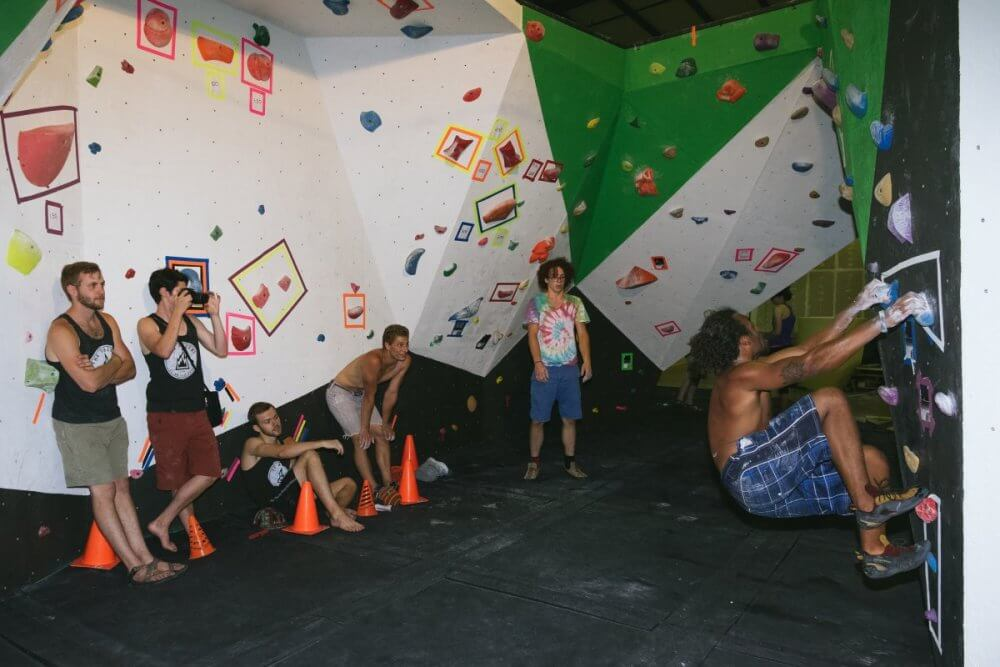 Take Up Indoor Rock Climbing In Knoxville And Make Friends