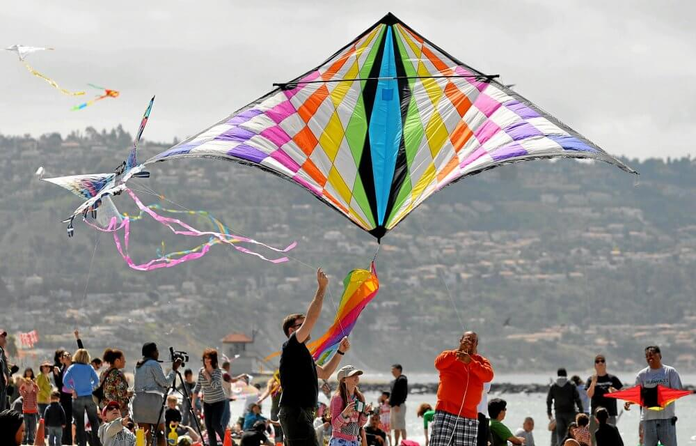 Attend Kite Party In Huntington Beach And Make Friends