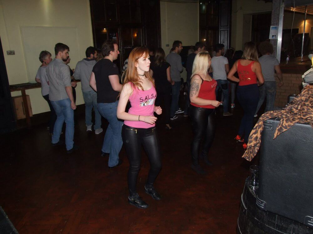 Join Dance Clubs In Edinburgh And Make New Friends