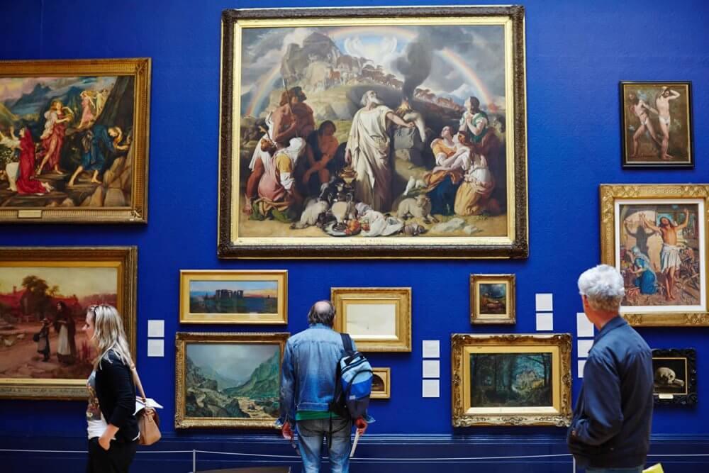 Join Leeds Art Gallery And Meet New Folks
