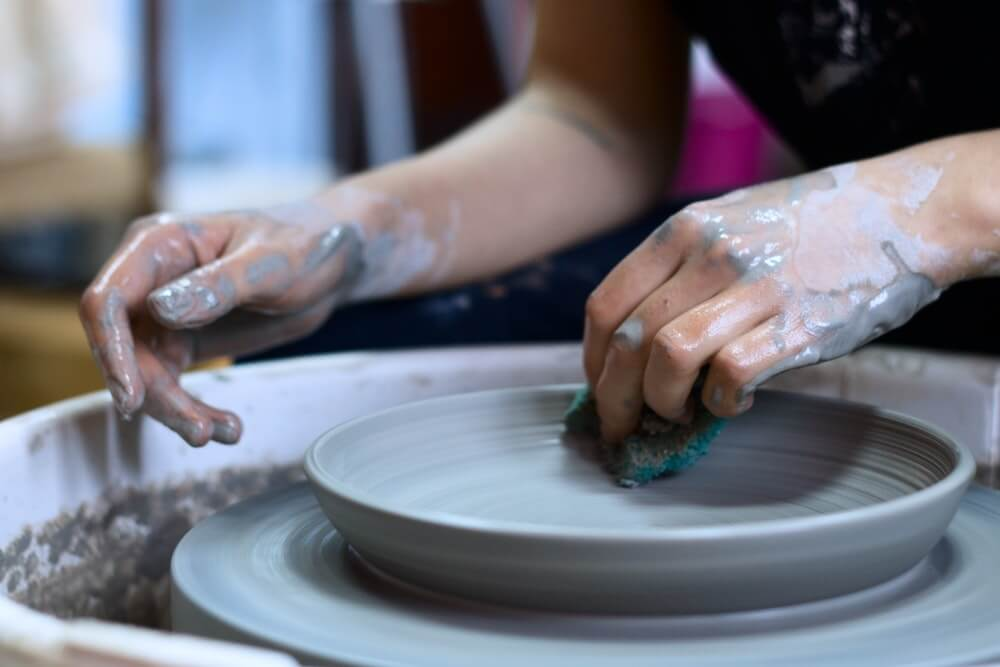 Meet people in Mansfield at a pottery class