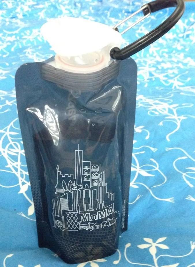 Vapur MoMA bottle